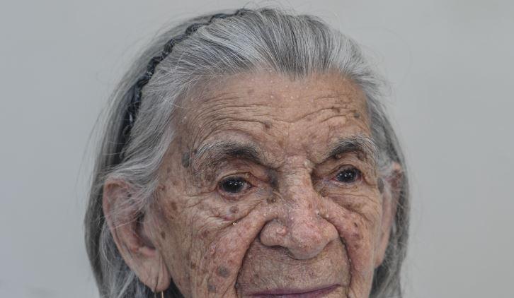 El alzheimer afecta mayormente a personas de la tercera edad. Foto con fines ilustrativos: Wikimedia Commons.