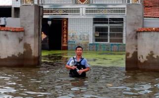 Inundación en China deja más de 200 muertos y cientos de desaparecidos. Foto:  EFE