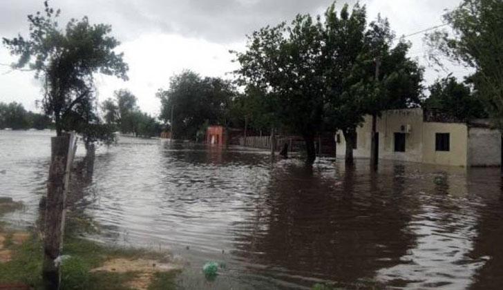 76 personas desplazadas en todo el país por las inundaciones