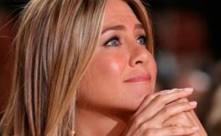 Jennifer Aniston sincera y conmovida ante la pregunta de un adolescente.