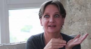 La médica epidemióloga Verónica Hughes, hija de Eduardo Galeano, quien además padece cáncer de pulmón, agradece la política antitabaco del Gobierno