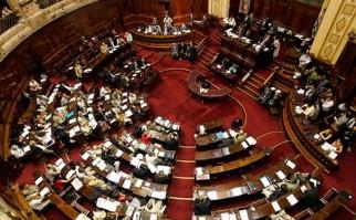 Convocan al Parlamento a ministros Danilo Astori y Jorge Basso por déficit de mutualistas de salud.