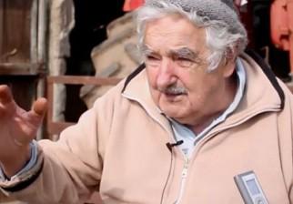 José Mujica denunció que Brasil tiene un Parlamento cuestionado, que parece una Bolsa de Valores, y lamentó el golpe de Estado parlamentario