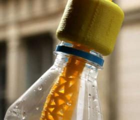 Este tapón potabiliza el agua y podría costar solo 1 dólar