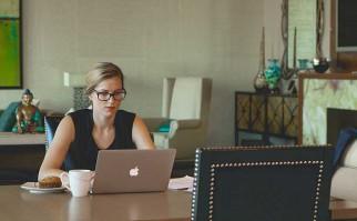 Facebook, Apple, Microsoft y otras decenas de empresas se comprometieron a reducir la brecha salarial entre hombres y mujeres. Foto: Pixabay