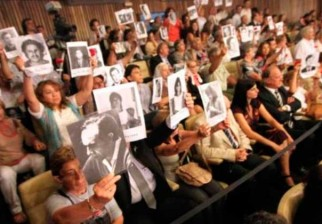 Tribunal argentino dictó prisión perpetua para 28 genocidas de la dictadura
