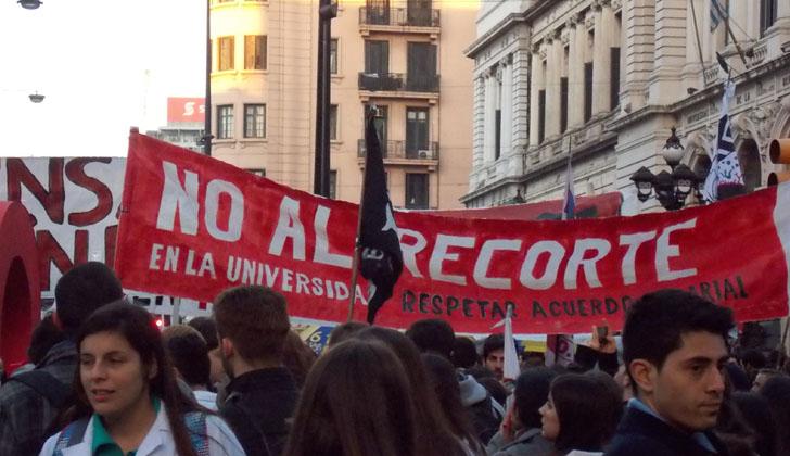 Liceos, UTU y Universidad paran el martes por presupuesto — URUGUAY