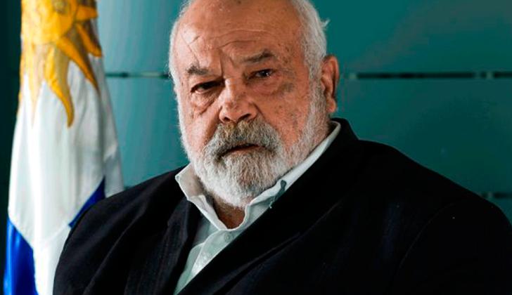 Eleuterio Fernández Huidobro. Biografía de unos de los fundadores del MLN-T, político, escritor y periodista.
