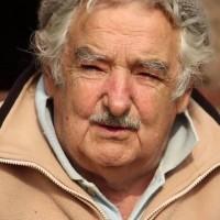 """José Mujica: """"A pesar de los años de bonanza y los Consejos de Salarios, todavía no hemos podido equiparar lo que la dictadura le arrancó al pueblo uruguayo en materia de salario"""""""
