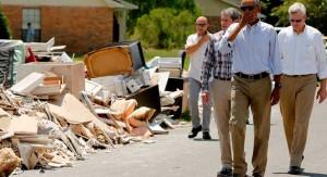 Obama visitó Luisiana tras las devastadoras inundaciones, pero no hizo referencia al cambio climático