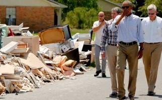 Obama visitó Luisiana tras las devastadoras inundaciones, pero no hizo referencia al cambio climático. Foto: Democracy No