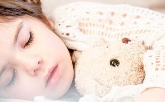 Dormir la siesta mejora la capacidad de aprendizaje de los niños. Foto: Pixabay