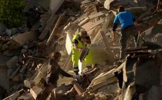 Fuerte sismo de 6,2 sacudió Italia y dejando al menos 38 fallecidos y decenas de heridos y desaparecidos. Foto: AFP