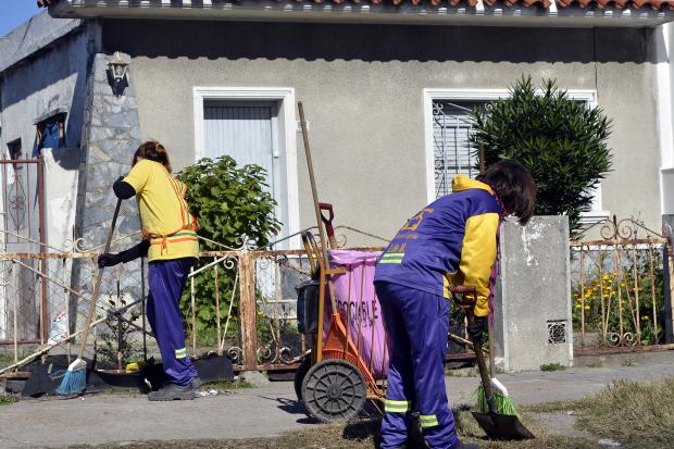 Oportunidad laboral para mujeres barrido oto al abre for Inscripciones jardin 2016 uruguay