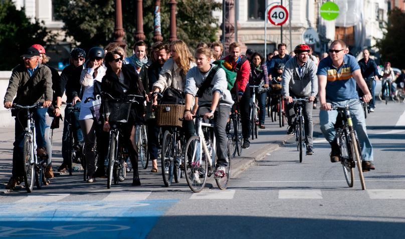 Una ciclovía en Copenhagen, capital de Dinamarca. Foto: Wikimedia Commons.