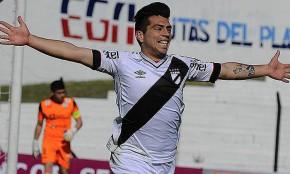 Danubio le ganó 3 a 0 a Plaza Colonia y es el único puntero