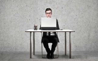 Nuevos estudios reafirman que pasar muchas horas sentados no es bueno para la salud. Foto: Pixabay