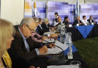 Los 13 ministros reciben este domingo los planteos de la sociedad civil organizada de Rocha. El lunes sesionará el Congreso de Ministros en La Coronilla