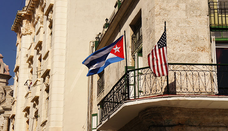 Cubanos consideran injusta nueva política de Trump hacia la isla — ESPECIAL