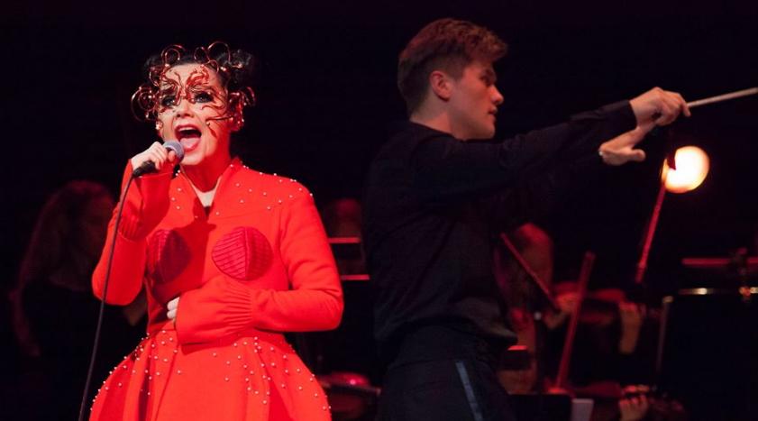 Björk durante un recital en el Harpa Concert Hall and Conference Centre, de la capital islandesa de Rejkjavik. Foto: Santiago Felipe.