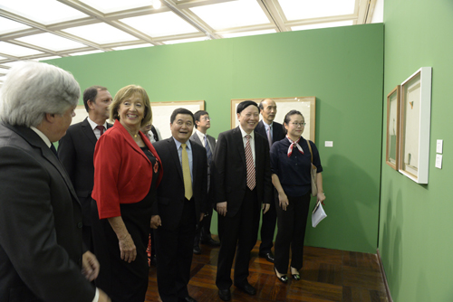 La delegación china recorrió las instalaciones del Museo Nacional de Artes Visuales