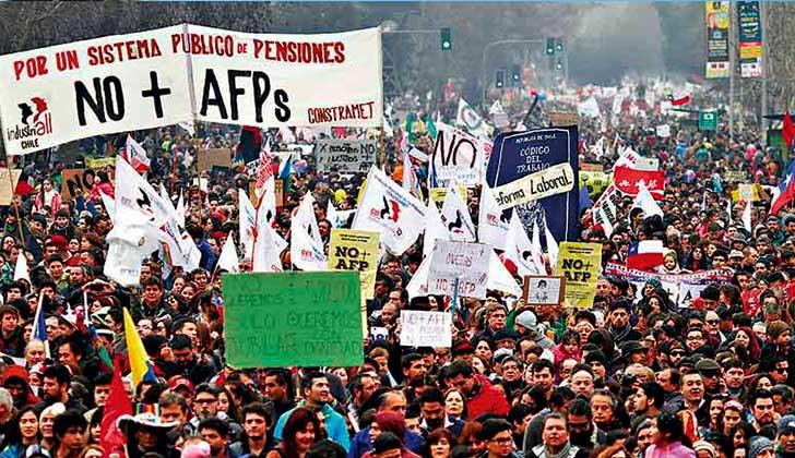 """Chilenos realizaron la marcha """"más grande de la historia"""" contra las AFP. Foto archivo."""