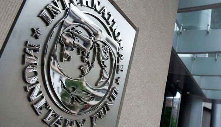 FMI recomienda recortar empleos públicos en Argentina, y apoya las reformas de seguridad social en Brasil.