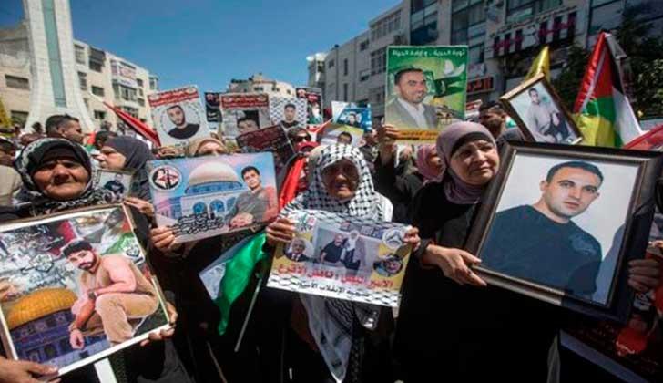 Israel reprime manifestación de palestinos en apoyo a presos