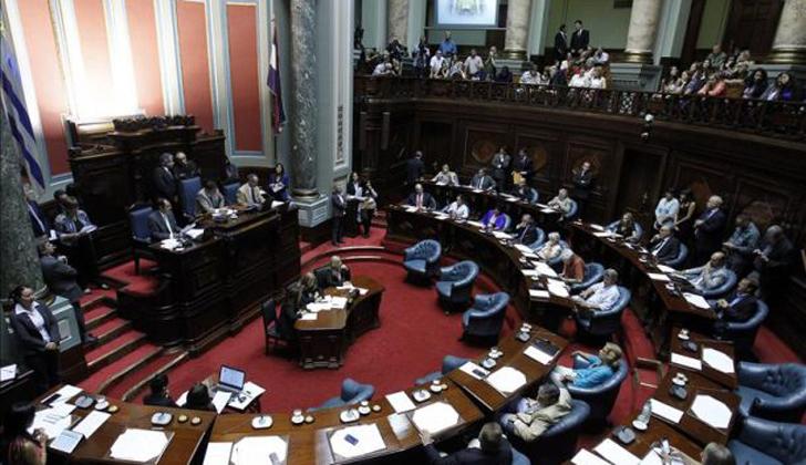 Uruguay: Senado establece que femicidio agrava un homicidio