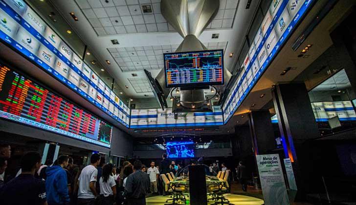 La bolsa de Sao Paulo se desploma más de 10% y suspende operaciones tras el nuevo escándalo de corrupción que salpica a Temer .