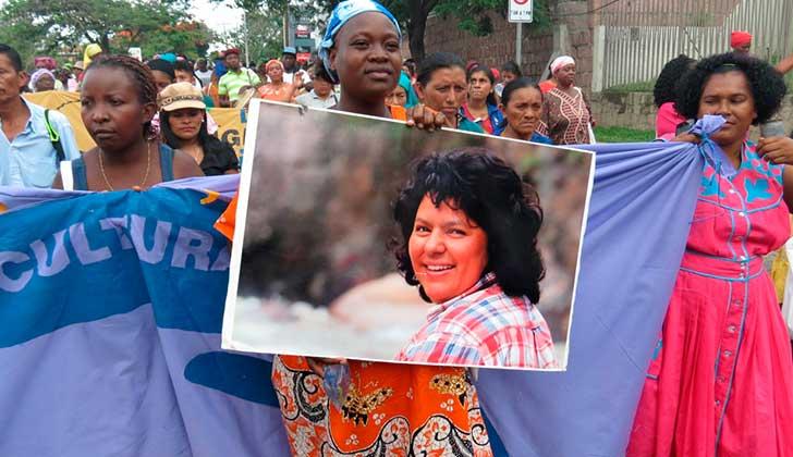 Indígenas hondureñas exigen castigo para asesinos de Berta Cáceres.