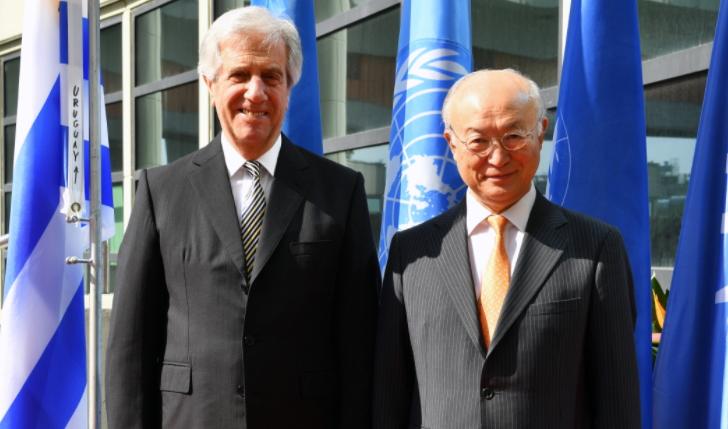 Vázquez insta al desarme nuclear y advierte de peligroso juego de