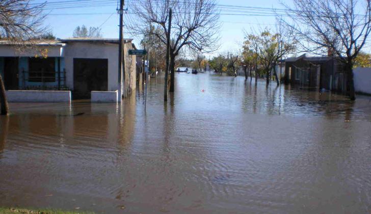 Más de 1.700 evacuados en Uruguay por inundaciones