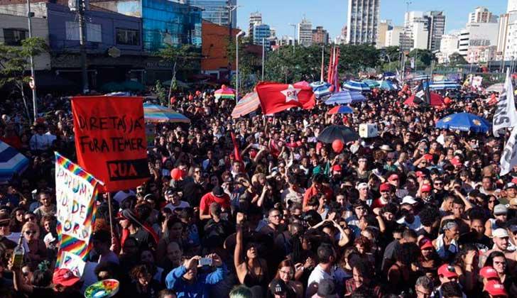 Defensa de Rousseff pide anular juicio que podría desalojar a Temer