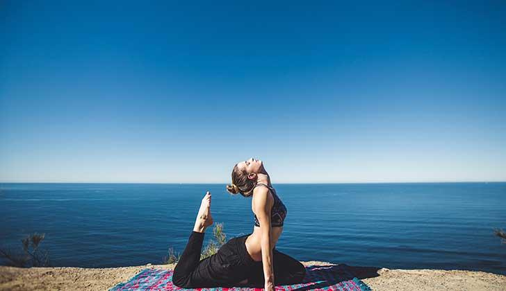 Yoga: una práctica beneficiosa para la salud .