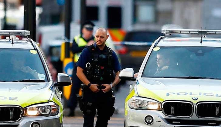 Un auto atropelló a un grupo de adolescentes al sur de Londres