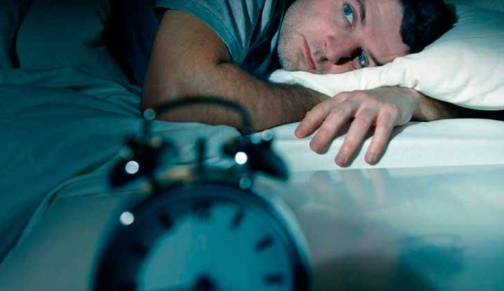 Investigación asocia los trastornos del sueño con el Alzheimer.