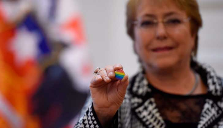 Chile: Michelle Bachelet firma proyecto de ley de matrimonio igualitario . Foto: @mbachelet