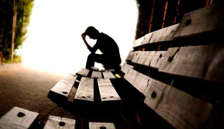 La soledad puede ser tan dañina como la obesidad. Foto: Pixabay