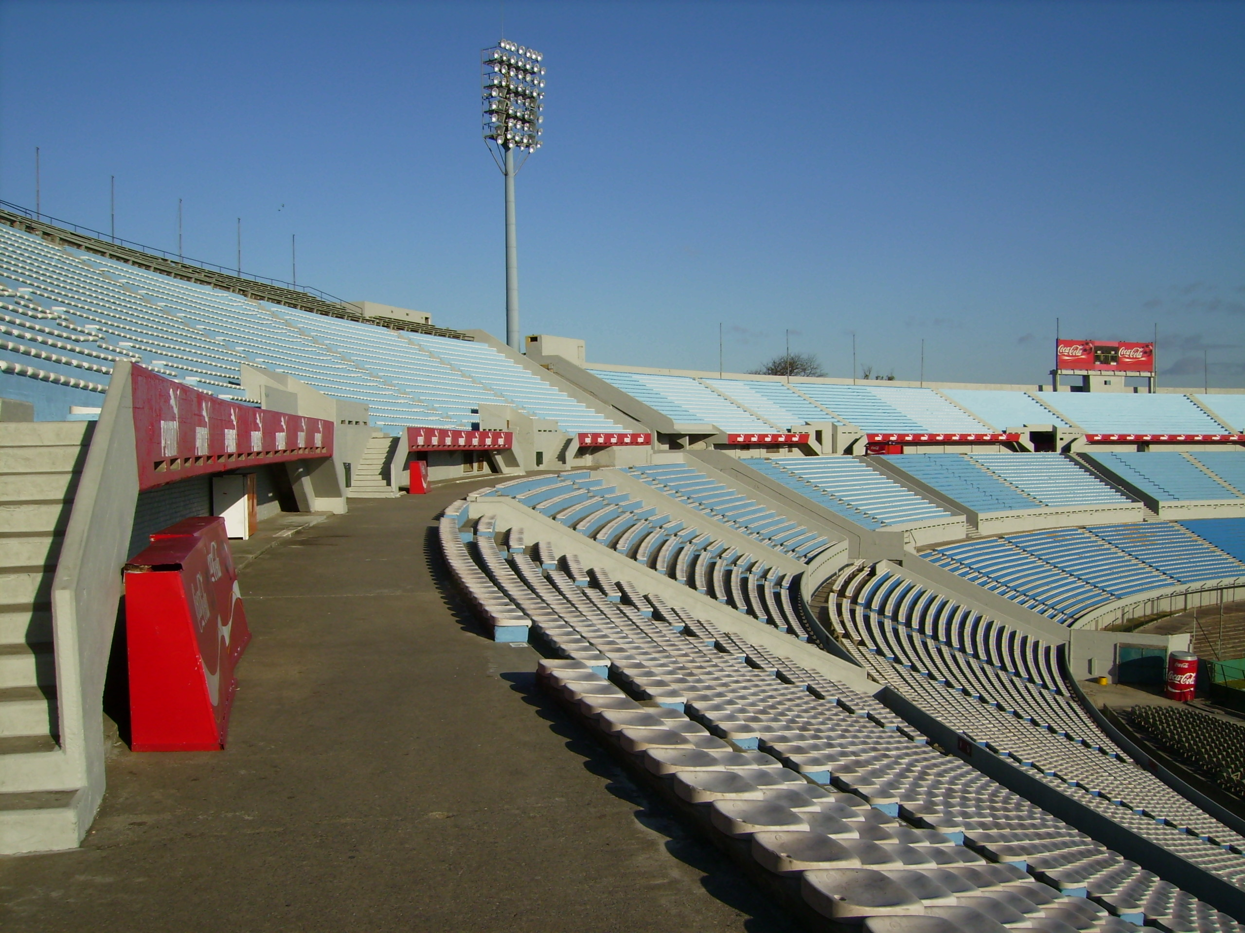 Suspenden el fútbol del domingo por agresión a un árbitro
