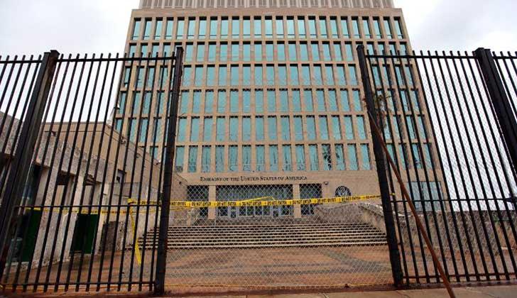 EE.UU. retira a más de la mitad del personal de su embajada en Cuba . Foto: EFE