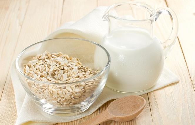 Propiedades y beneficios de la leche de avena.