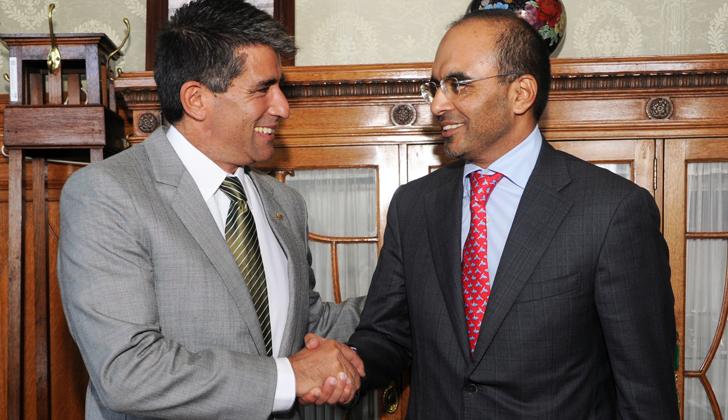 Vicepresidente Raúl Sendic, con representantes de la Cámara de Comercio e Industria de Dubái. (Foto de Presidencia).