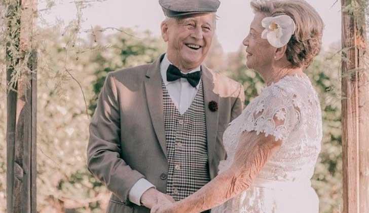 Como no tenían fotos de su boda, la recrearon 60 años después.