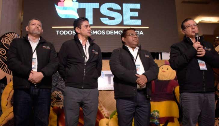 """TSE de Honduras: """"No habrá resultados de las presidenciales hasta que se concluya el recuento de votos""""."""