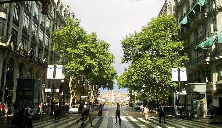 18 de Julio y avenida de Mayo se hermanan para potenciarse. Foto: Av. de Mayo Wikicommons