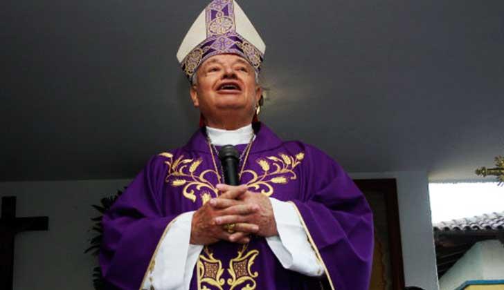 """Cardenal mexicano sobre feminicidios: """"Con cualquiera se suben, por eso las matan""""."""