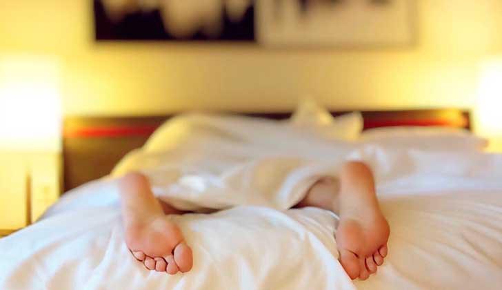 Bajar de peso ayuda a dormir mejor.