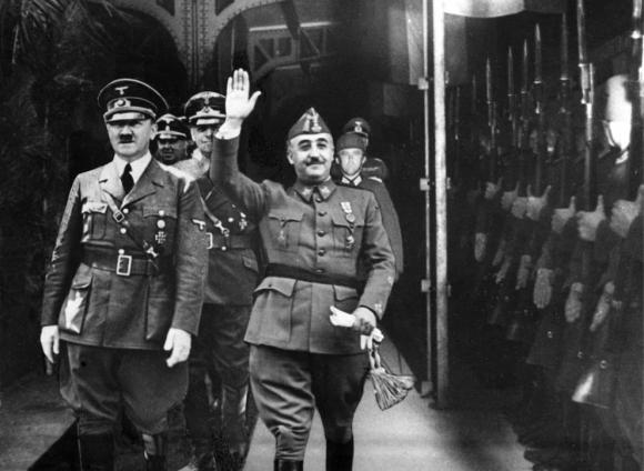Fotografía de Franco y Hitler en Hendaya, Francia, cerca de la frontera con España. Foto: EFE / Archivo