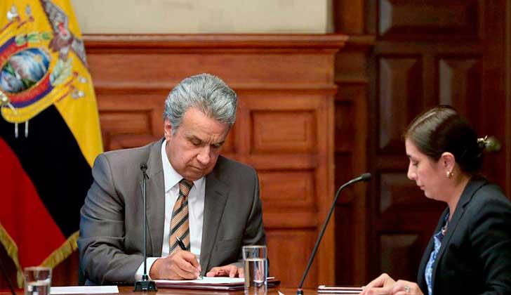 Un tribunal de Quito deja sin efecto la destitución de Moreno como presidente de Alianza PAIS.